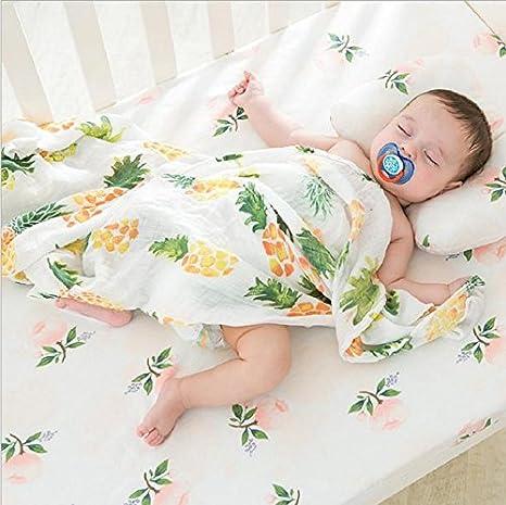Spuckt/ücher Buggy 2 Pack gro/ß Bio Baumwolle Quadratische Form Erdbeere/&Ananas Design-Einschlagdecke Musselin Baby Wickeldecke Decken Kinderzimmer Dusche Geschenk Set Unisex Neutral EINWEG