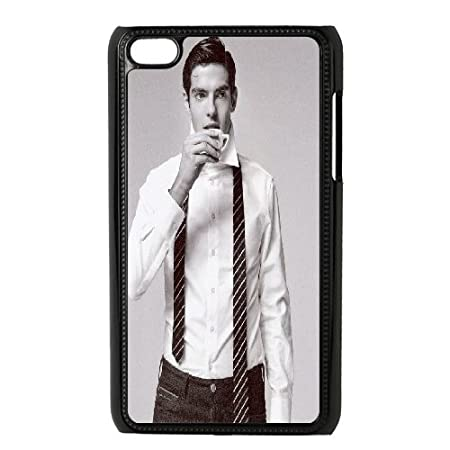 Kyle5v Kaka ipod Touch 4 casos Kaka camisa blanca y corbata negra ...
