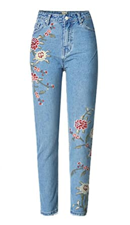 Sherri Women s Hi Rise Floral Embroidery Crop Jeans at Amazon ... f6310ec72a356