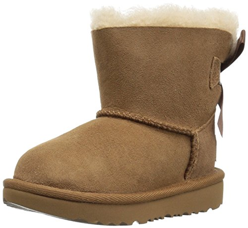 UGG Girls T Mini Bailey Bow II Pull-on Boot, Chestnut, 6 M US Toddler]()
