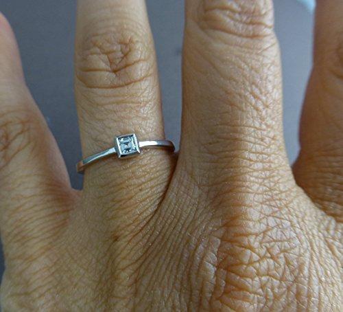 Princess-diamond-engagement-ring-14k-white-gold-with-princess-diamond