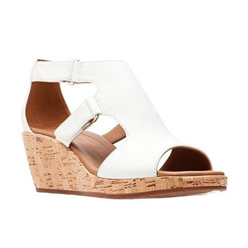 a3e6b65d70cd Clarks Women s Un Plaza Strap  Amazon.ca  Shoes   Handbags