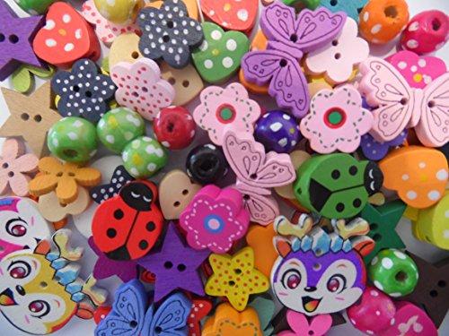 100 Holzperlen, Bastelperlen, Knöpfe, , Bastelknöpfe, Sterne, Herzen, Blumen, Schmetterlinge u.a. VERSAND AUS DEUTSCHLAND = SEHR SCHNELLE LIEFERUNG + 1 Anhänger in Herzform Millefiori