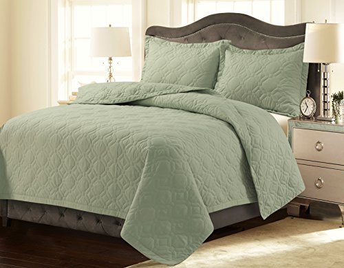 Tribeca Living LYONQUILTKISA Lyon Solid Oversized Geometric Quilt Set, King, Sage Green ()