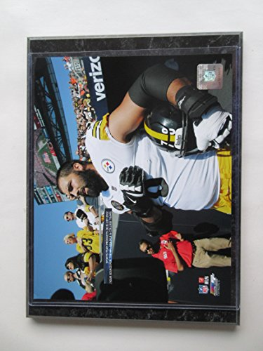 ALEJANDRO VILLANUEVA PITTSBURGH STEELERS STAND FOR THE NATIONAL ANTHEM PHOTO