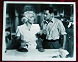 AL25 POSTMAN ALWAYS RINGS TWICE Lana Turner  '46 still Here's a terrific original 8x10 still from THE POSTMAN ALWAYS RINGS TWICE with Lana Turner.    Lobby card is in EXCELLENT condition  A lobby card is an 11 x 14 inch placard advertising a movie.