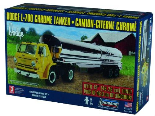 Lindberg Models Dodge L-700 with Chrome Tanker (Chrome Tanker)