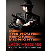 In the Hour Before Midnight (Thorndike Press Large Print Famous Authors Series)