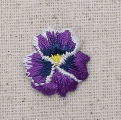 (1x Piece of Iron On Embroidered Applique Patch Pansies Flower Small/Mini Pansy Violet)