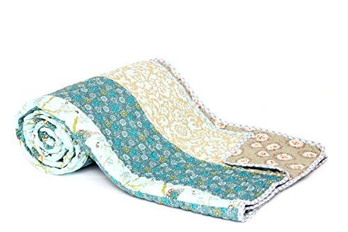 1001 Wohntraum T211 Quilt I Japan Blüten, 180 x 220 cm, Plaid Tagesdecke, Patchwork Landhaus Decke, barock blau