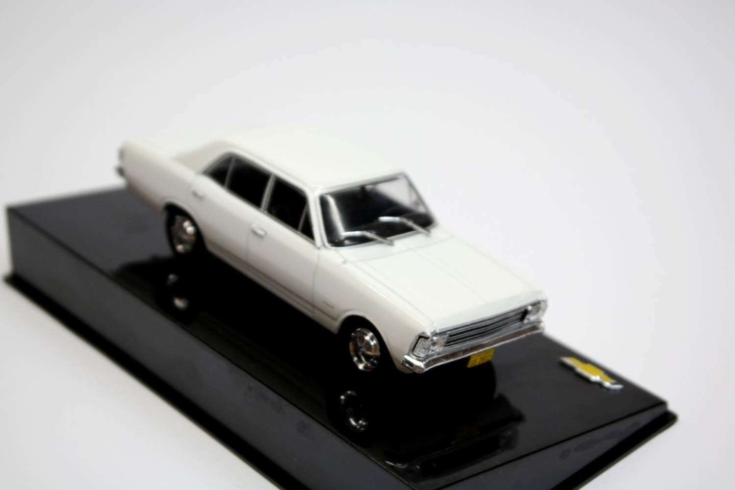 Chevrolet Opala 2500 1970 Year - Executive Car - 1/43 Scale Collectible Model Vehicle - Chevrolet Collection #21 by 1/43 AZEBUY - SEDANS
