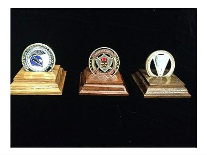 Amazon.com: Soporte para monedas de madera maciza de 3.0 in ...