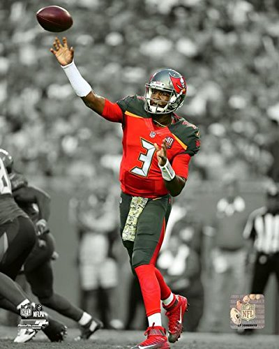 (Tampa Bay Buccaneers Jameis Winston 8x10 Photo Picture)