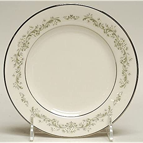 Noritake Parkridge Fine China 70 Pieces 13 5 Piece Place Settings Plus Serving Dishes And Storage Containers