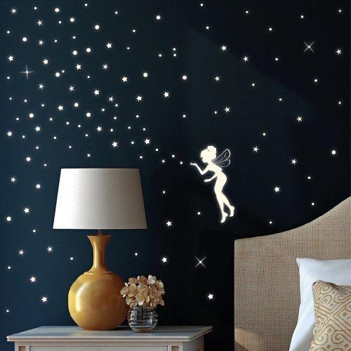 """Wandtattoo Loft Wandsticker """"Fluoreszierende Elfe"""" Fee mit Leuchtsternen und Leuchtpunkten aus nachtleuchtender selbstklebender Folie (leuchtend im Dunkeln) für einen tollen Sternenhimmel in Kinderzimmer oder Schlafzimmer Wandtattoo-Loft.d"""