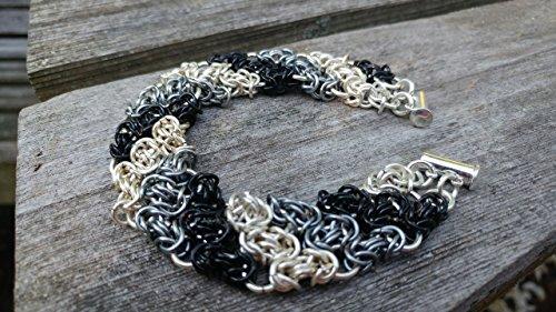 (Triple byzantine pattern in black, silver and grey)