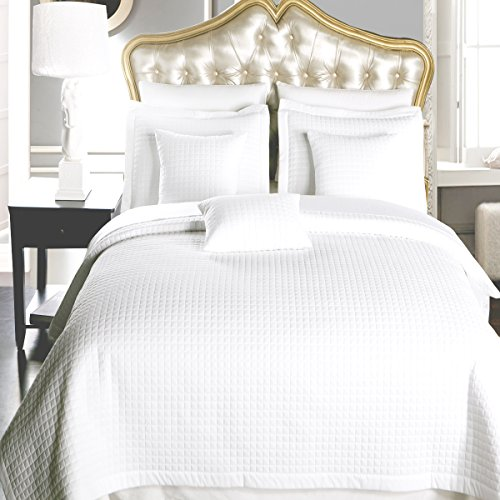 Ensemble Bed Full (Elegant and Contemporary Quilt/Coverlet Bed in a Bag, Exquisite Bed Ensemble Includes Quilt/Coverlet Set and Solid Sheet Set, 7PC Full Bed Size Set, White Quilt/Coverlet Bedding)