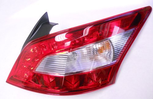 - Genuine Nissan Maxima 2009-2011 RH Passenger Side Tail Light NEW OEM (No Tint)