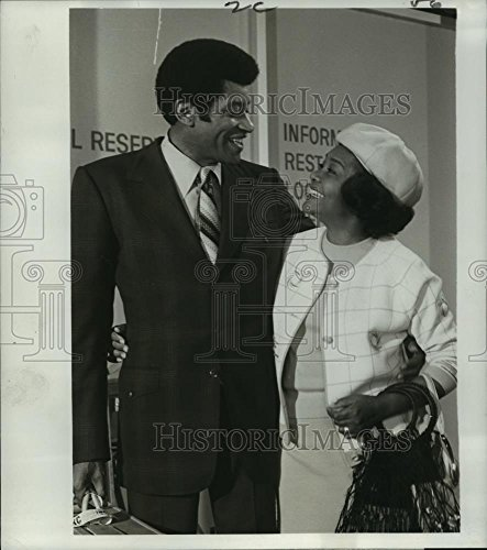 1971 Press Photo Rupert Crosse And Juanita Moore Star In Nbc Tvs  The Partners    9 X 8 In    Historic Images