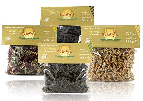 Nudelly's Quattro Premium, glutenfreie Pasta im 4er-Pack, Kürbiskernmehl, Sesammehl, Mohnmehl, Eier-Nudeln mit Tapioka-Stärke als Tagliatelle u. Fusilli, low-carb, paleo, clean, sojafrei