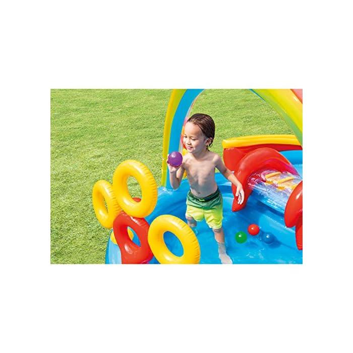 51TMrpyLnnL Centro de juegos hinchable con forma circular y un arco iris, medidas de 297 x 193 x 135 cm 2 piscinas: una grande con capacidad para 201 litros de agua y otra más pequeña de 227 litros de agua (tiene más altura que la grande) Incluye un tobogán con base acolchada para amortiguar la bajada
