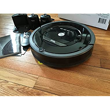 iRobot Roomba 880 Vacuum Cleaning Robot + 2 Virtual Wall Lighthouses (With Batteries) + Remote Control (With Batteries) + 3 Extra Side Brushes + Extra HEPA Filter + More