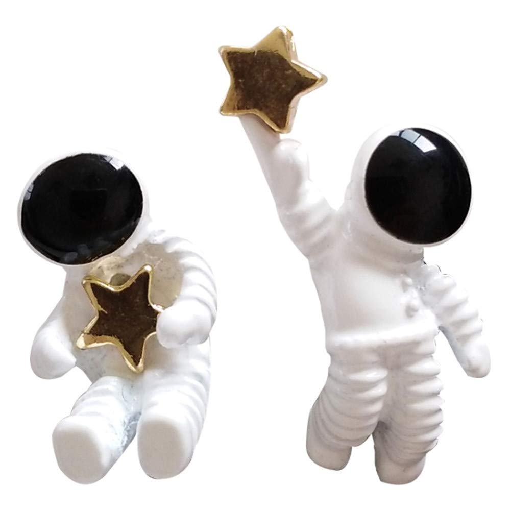 Unisex 18K Gold Plated Unique Astronauts Spaceman With Golden Star Stud Post Earrings