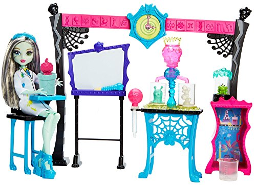 Monster High Skulltimate Science Class Playset with Doll -