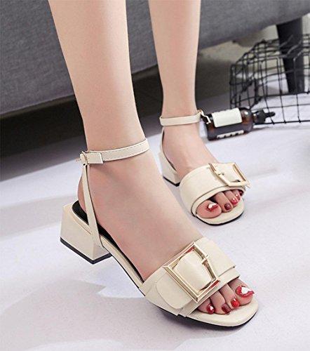 Gruesa con sandalias de mujer con sandalias hebilla del cinturón de la hembra del verano con correas de tobillo beige
