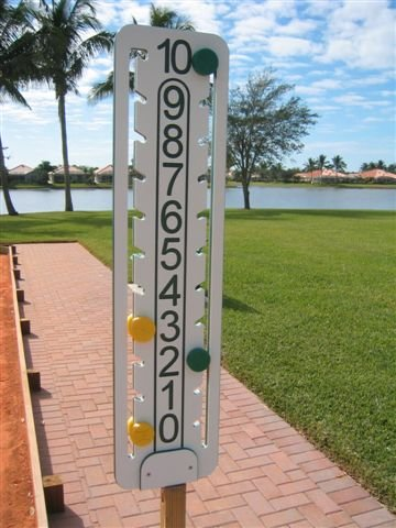 love The Ultimate Bocce Scoreboard (Scores 0-100) by Love