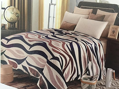 - Bliss Brands Flannel Fleece Blanket (Animal Print), Queen Sized Luxury Plush Microfiber Polyester Blanket, Great for Indoor or Outdoor use