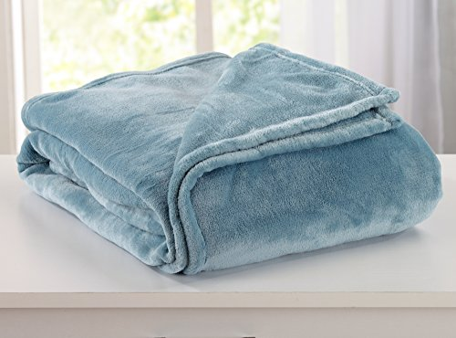 Ultra Velvet Plush Fleece All-Season Super Soft Luxury Bed Blanket. Lightweight and Warm for Ultimate Comfort. By Home Fashion Designs Brand. (Full/Queen, Smoke Blue)