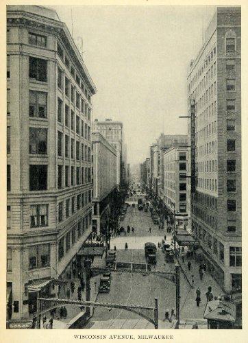 1931 Print Wisconsin Avenue Street View Milwaukee Wisconsin Antique Cars Trolley - Original Halftone Print