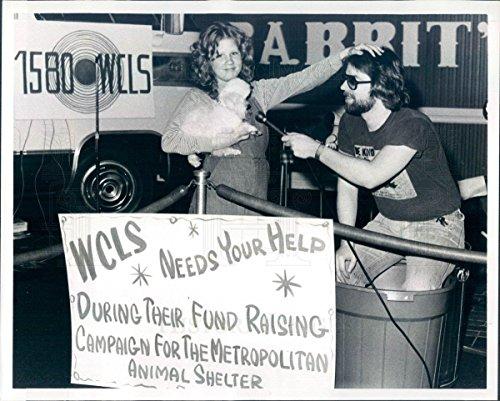 1970 Press Photo Columbus GA WCLS Radio DJ Trashman Tries World - Columbus Mall In Ga