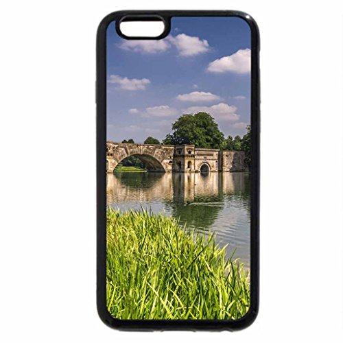 iPhone 6S / iPhone 6 Case (Black) bridge over a pond on castle grounds