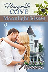 Moonlight Kisses (Honeysuckle Cove Book 5)