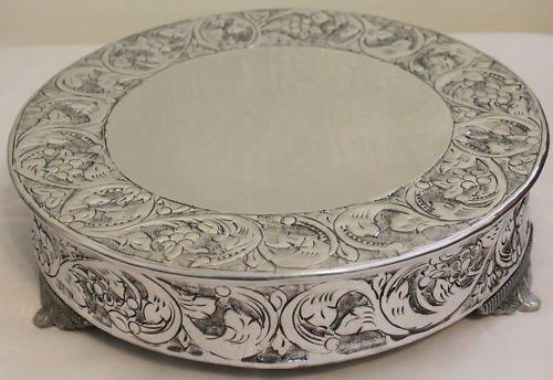 14 Inch Silver Round Wedding Cake Stand Plateau ()