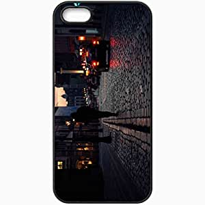 Unique Design Fashion Protective Back Cover For iPhone 5 5S Case Road Night Traffic Sky Buildings Black