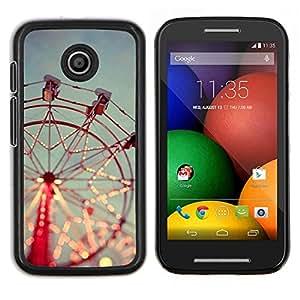 TECHCASE---Cubierta de la caja de protección para la piel dura ** Motorola Moto E ( 1st Generation ) ** --Feliz va Alrededor Red Sky