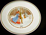 10 inch corelle plates - 1987 Season's Greetings Corelle Christmas Series Collector's Plate (10
