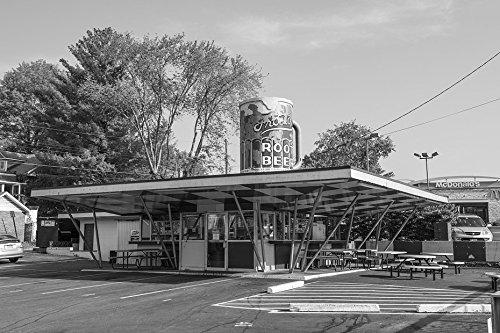 18 x 24 B&W Photo of Frostop Root Beer Stand in Huntington, West Virginia 2015 Highsmith ()