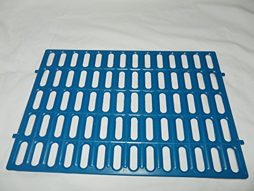 Mat for rabbit cage, plastic. Make a wire-floored cage comfortable. (Blue)