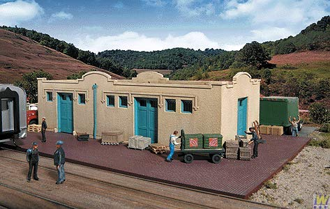 Walthers Cornerstone Series Kit HO Scale Mission-Style Freight House ()