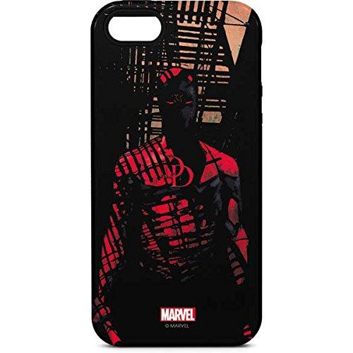 Daredevil iPhone 5/5s/SE Case - Daredevil Hides In The Shadows | Marvel & Skinit Pro Case ()