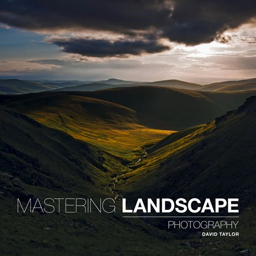 The definitive guide to capturing beautiful and compelling images outdoors Landscape photography can be a solitary experience, but award-winning landscape photographer David Taylor believes creativity requires a certain amount of peaceful contemplati...