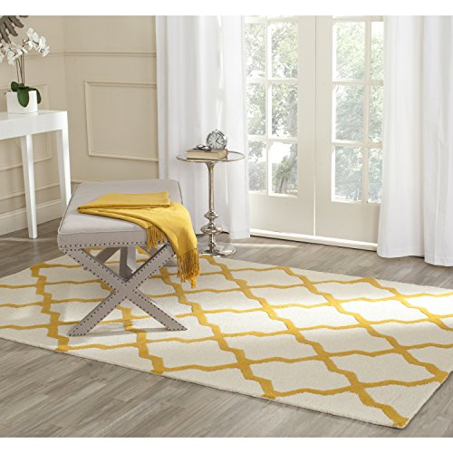 Ivory Gold Area Rugs (Safavieh Cambridge Collection CAM121U Handcrafted Moroccan Geometric Ivory and Gold Premium Wool Area Rug (6' x 9'))