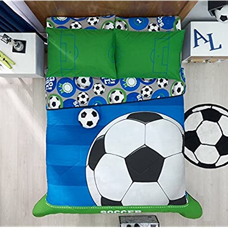 LIMITED EDITION SOCCER CHIC TEENS BOYS REVERSIBLE COMFORTER SET SHEET SET AND WINDOWS PANELS 8 PCS TWIN SIZE
