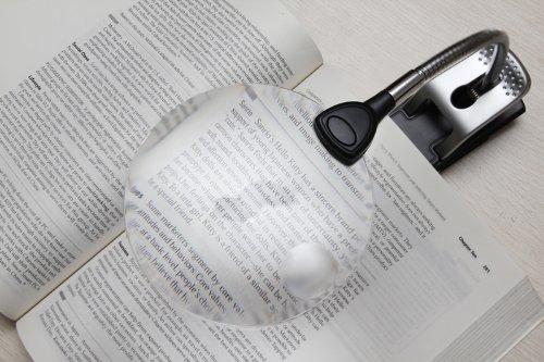Levenhuk Zeno 1000 LED Desktop Magnifier with two lenses