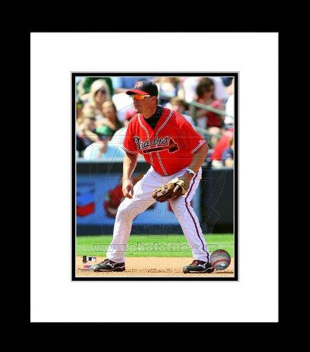 Atlanta Braves Chipper Jones Fielding Framed 8x10 (Atlanta Braves Chipper Jones Framed)