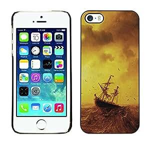 Caucho caso de Shell duro de la cubierta de accesorios de protección BY RAYDREAMMM - Apple iPhone 5 / 5S - Stormy Sea Painting Ship Sailing Ocean Birds
